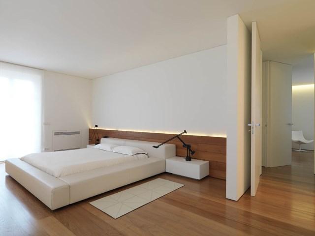 Minimalist-Interior-Tuscany-Italy-Wood-Flooring