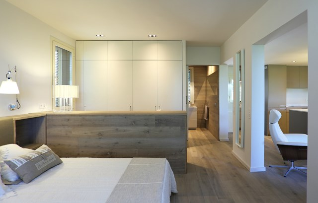 Mountain-Guest-House-Small-House-Dom-Architecture-Barcelona-Bedroom-Humble-Homes