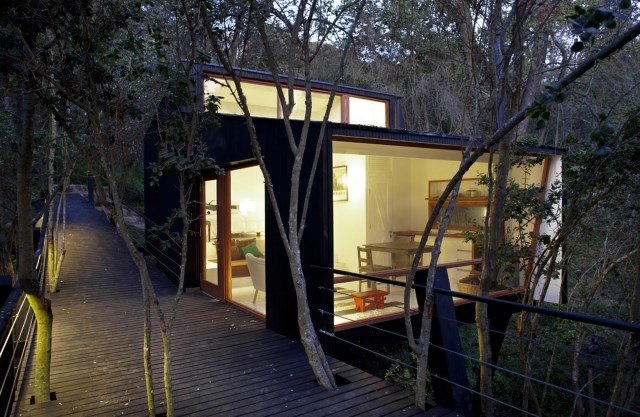 Quebrada-House-UNarquitectura-Small-House-in-Chile-Front-Humble-Homes
