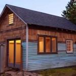 บ้านรัสติกขนาดเล็ก วัสดุจากไม้ มาพร้อมหลังคาทรงจั่ว