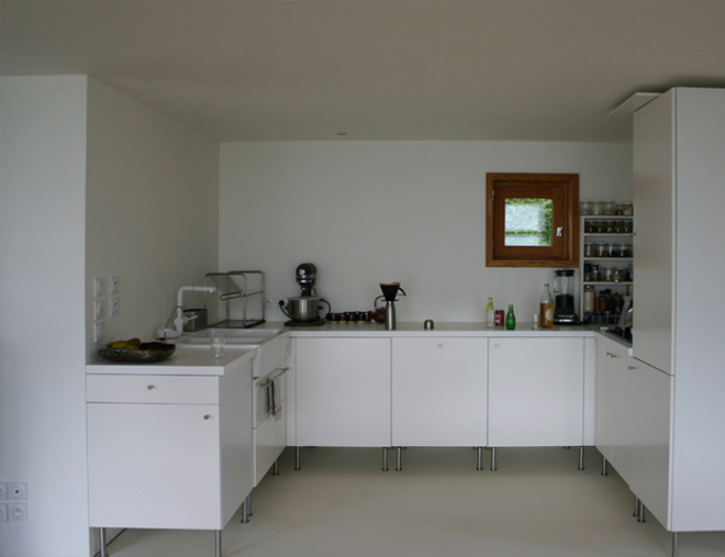 Small-House-House-in-The-Meadow-ARBA-France-Kitchen-Humbe-Homes