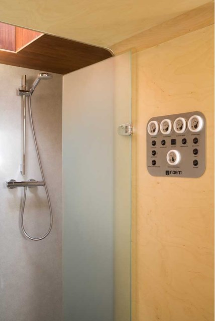 Studio-Go-Tiny-House-Noem-Barcelona-Shower-Humble-Homes