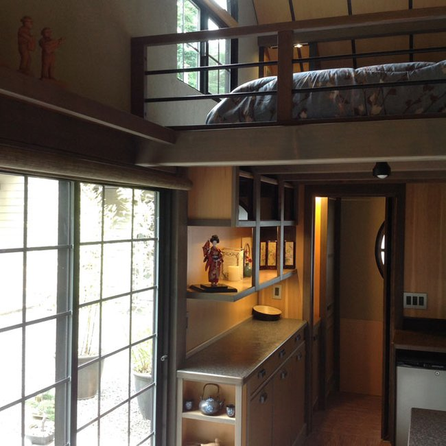 Tiny-House-Chris-Heininge-Oregon-Sleeping-Loft-Humble-Homes