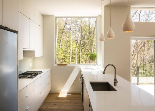 Val-Des-Monts-Retreat-Christopher-Simmonds-Ottawa-Kitchen-2-Humble-Homes