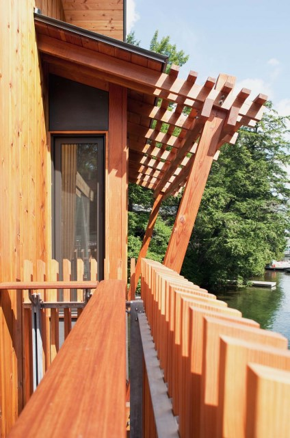Wood-Fence-Boathouse-Muskoka-Lakes-Ontario