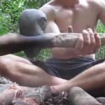 ชายหนุ่มสุดอินดี้ สร้างกระท่อมในป่า ด้วยมือเปล่ากับวัสดุธรรมชาติ 100%