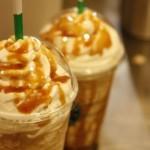 """สูตรโฮมเมด """"Caramel Frappuccino"""" แบบสตาร์บัค ทั้งอร่อย ทั้งเซฟเงิน"""