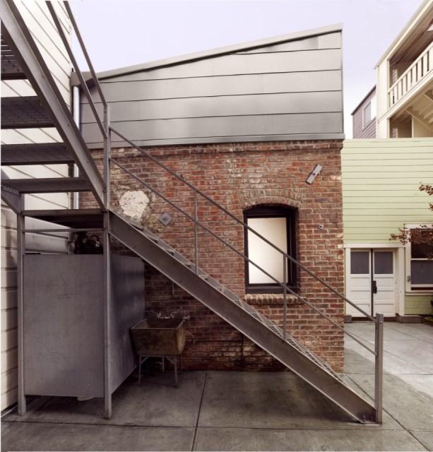 christi-azevedo-brick-house-exterior1