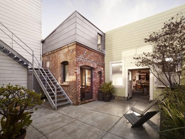 christi-azevedo-brick-house-exterior2