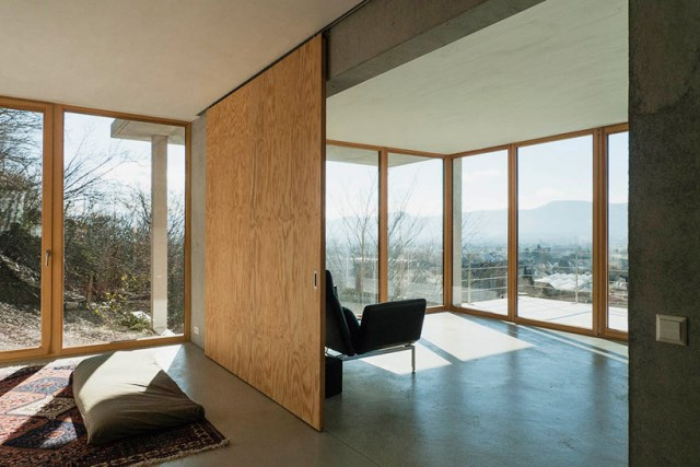 gian-salis-architekt-house-on-a-slope-wyhlen-germany-designboom-06