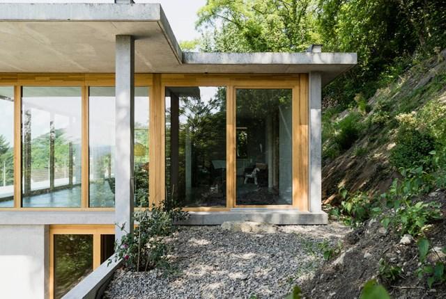 gian-salis-architekt-house-on-a-slope-wyhlen-germany-designboom-10