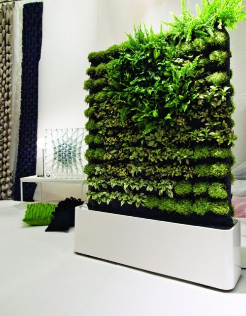 green-wall-interior-designs