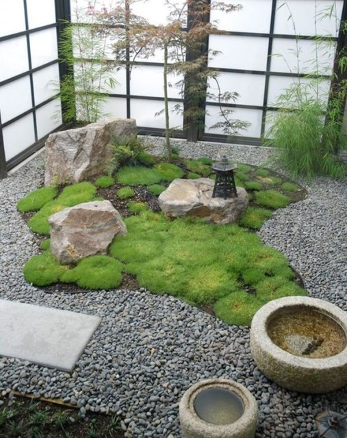 indoor-japanese-courtyard-garden-decoration