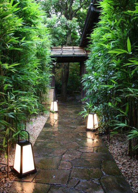 jpanese-courtyard-garden-with-outdoor-lamps