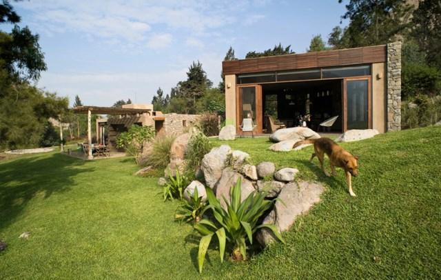 marina-vella-arquitectos-chontay-house-lima-peru-designboom-02