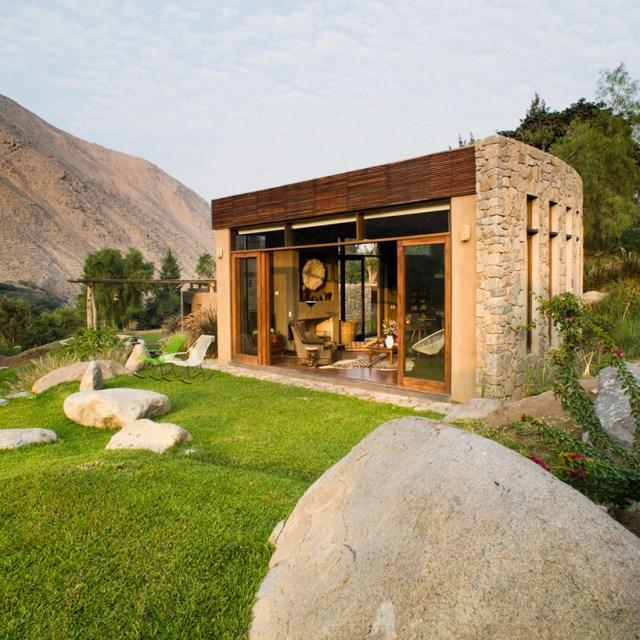 marina-vella-arquitectos-chontay-house-lima-peru-designboom-03