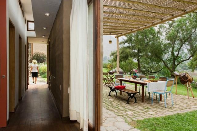 marina-vella-arquitectos-chontay-house-lima-peru-designboom-06