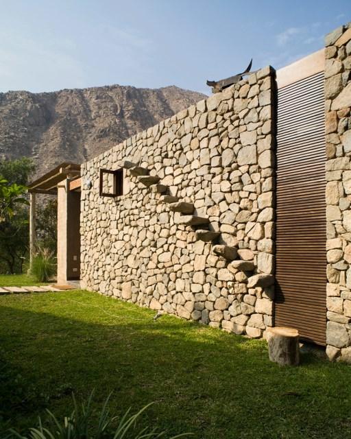 marina-vella-arquitectos-chontay-house-lima-peru-designboom-10