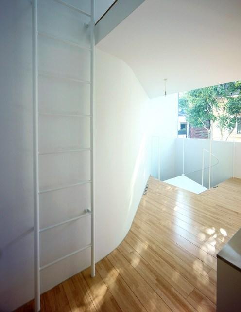niji-architects-townhouse-tokyo-designboom-004-818x1056
