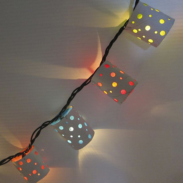 polka-dot-string-lights-with-toilet-paper