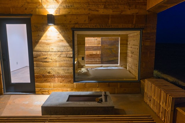 red-sands-cabins-design-build-bluff-mexican-water-chapter-designboom-09