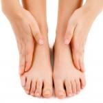 """5 วิธี """"แก้ส้นเท้าแตก"""" เคล็ดลับง่ายๆ ที่อยากจะบอกต่อ ว่าทำแล้ว มันได้ผลจริงๆนะ!!"""