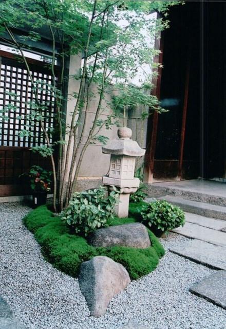 small-japanese-courtyard-garden-design