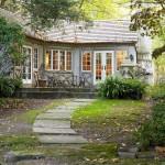 บ้านชั้นเดียวขนาดกลาง ตกแต่งให้กลิ่นอายแบบวินเทจ ความสวยงามทามกลางธรรมชาติ