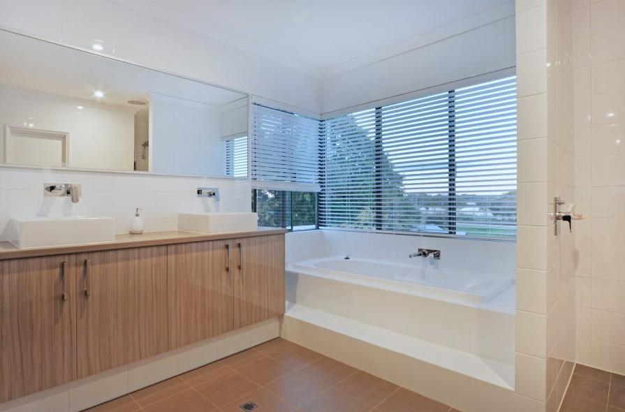 1-storey-white-modern-family-house (12)