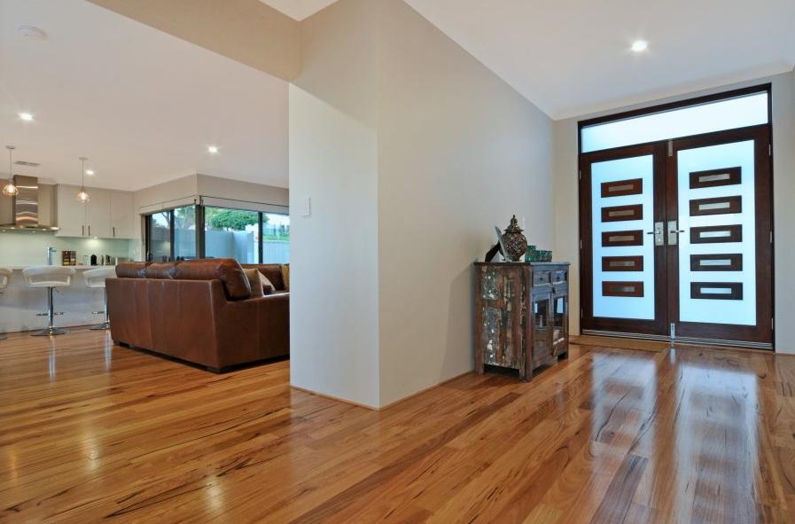 1-storey-white-modern-family-house (13)