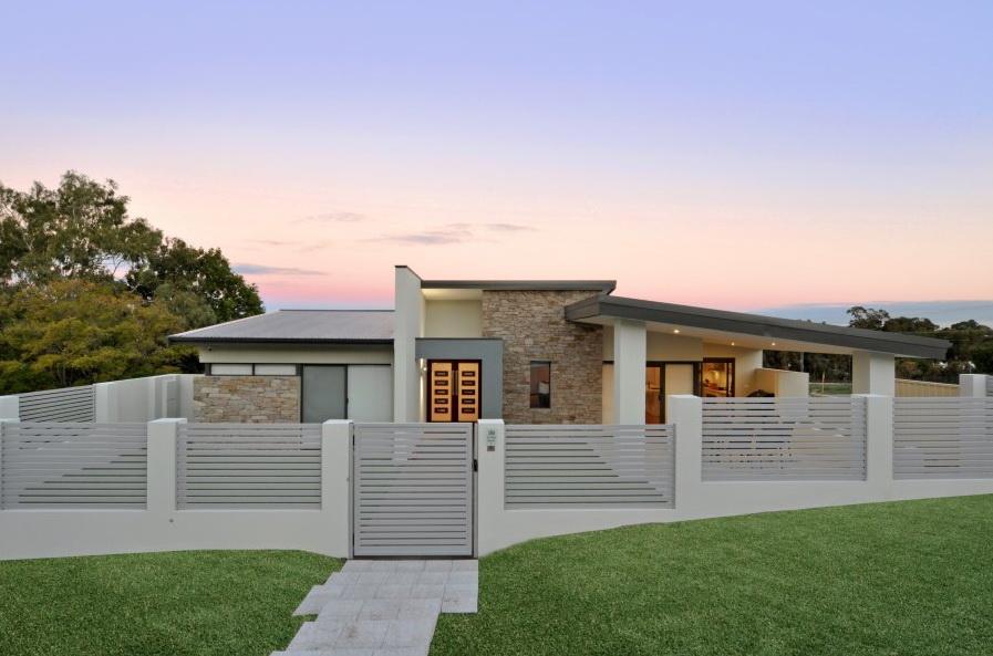 1-storey-white-modern-family-house (2)