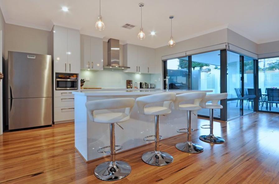 1-storey-white-modern-family-house (9)