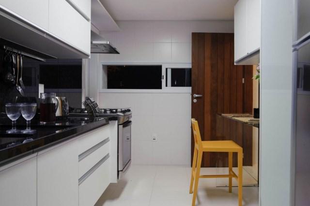1296662426-house-carqueija-014-1000x665