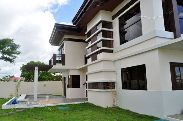 2-storey-brown-white-modern-tropical-house (10)