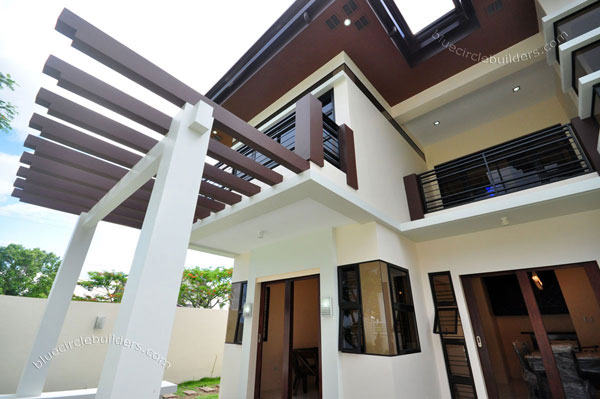 2-storey-brown-white-modern-tropical-house (17)