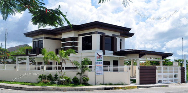 2-storey-brown-white-modern-tropical-house (4)