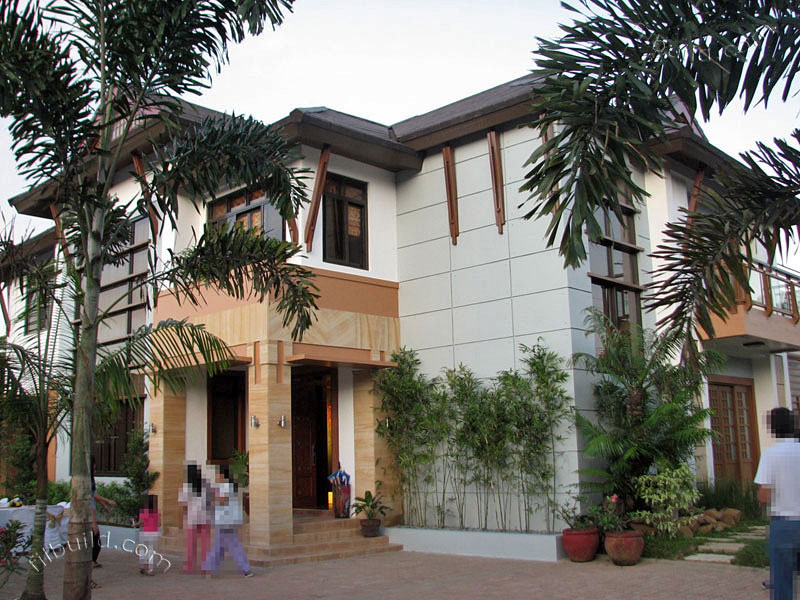 2-storey-contemporary-asian-house (1)