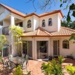 แบบบ้านสองชั้นโทนสีขาว ดีไซน์คลาสสิคแบบอิตาลี เพื่อชีวิตครอบครัวแสนอบอุ่น