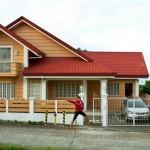 บ้านครอบครัวขนาดสองชั้น แต่งด้วยโทนสีส้ม ภายในโปร่งโล่งอยู่สบาย