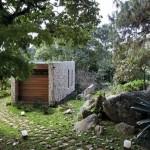 บ้านตากอากาศแนวโมเดิร์น กลิ่นอายแบบบ้านรัสติค จากวัสดุหินและไม้
