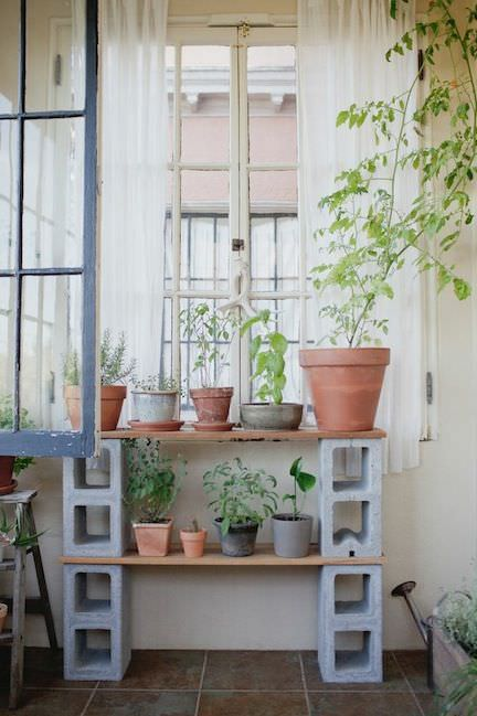 5 ways to use cinder blocks in the garden (10)