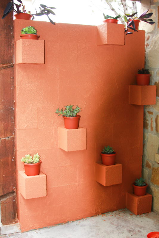 5 ways to use cinder blocks in the garden (11)
