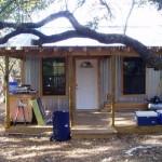 บ้านสวนขนาดเล็ก ตกแต่งจากสังกะสี ในงบประมาณ 2 แสนบาท