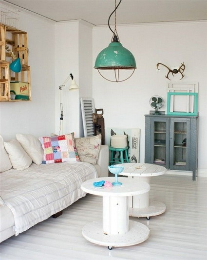 9-decorating-house-with-cable-spool-ideas (4)