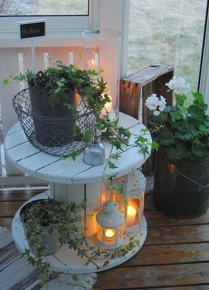 9-decorating-house-with-cable-spool-ideas (8)