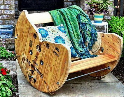 9-decorating-house-with-cable-spool-ideas (9)