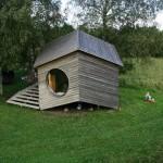 บ้านคอทเทจรูปทรงแปลก ขนาดเล็กวัสดุจากธรรมชาติ เหมาะกับเป็นบ้านตากอากาศหรือรีสอร์ท