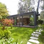 บ้านโมเดิร์นขนาดเล็ก 1 ห้องนอนของบ้านตากอากาศ ความสุขที่อิงแอบแนบชิดไปกับธรรมชาติ