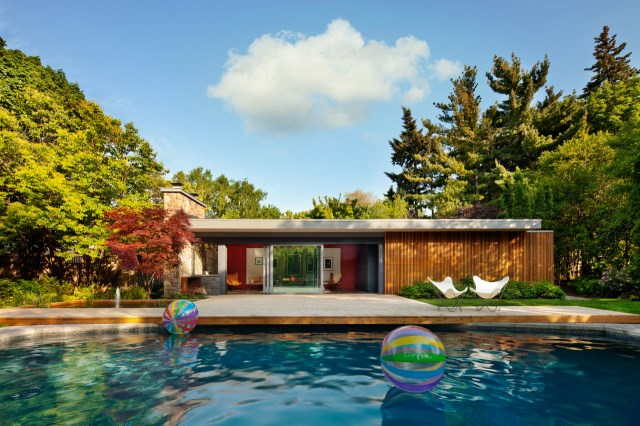 Mid-Century-Poolhouse-Tongtong-1
