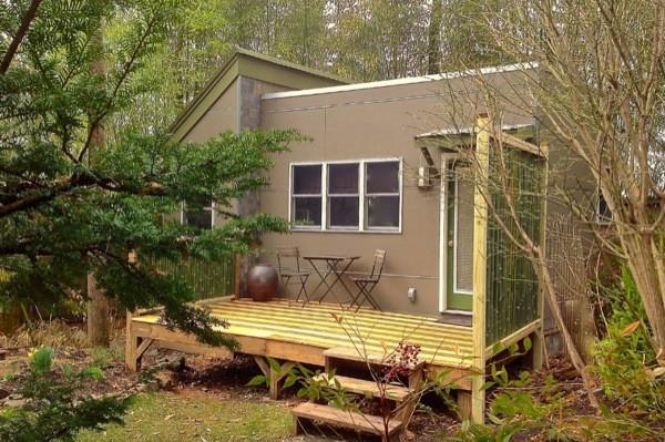 Modern Studio Cabin Retreat in the woods (1)